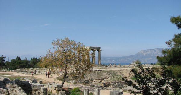 Ruínas em Corintos Antigo