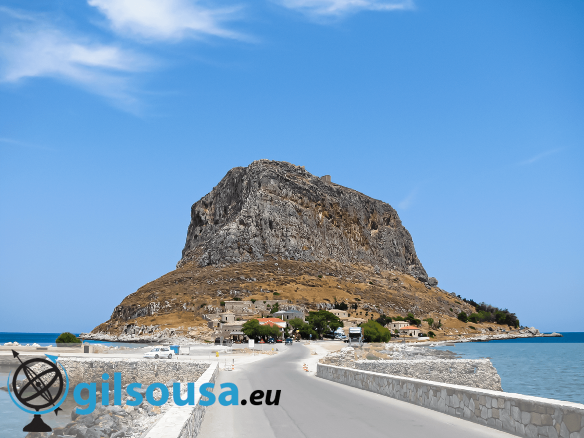 Conhecer Monemvasia, um ilhéu na costa do Peloponeso