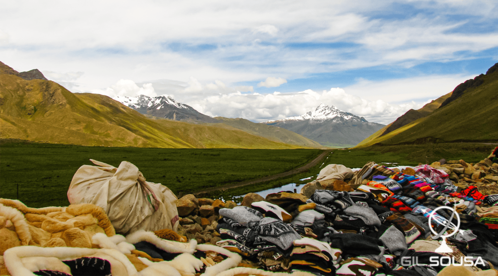 Sellers by the roadside at 4200 meters altitude