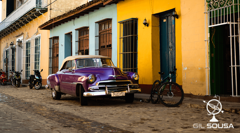 Taxi clássico em Trinidad