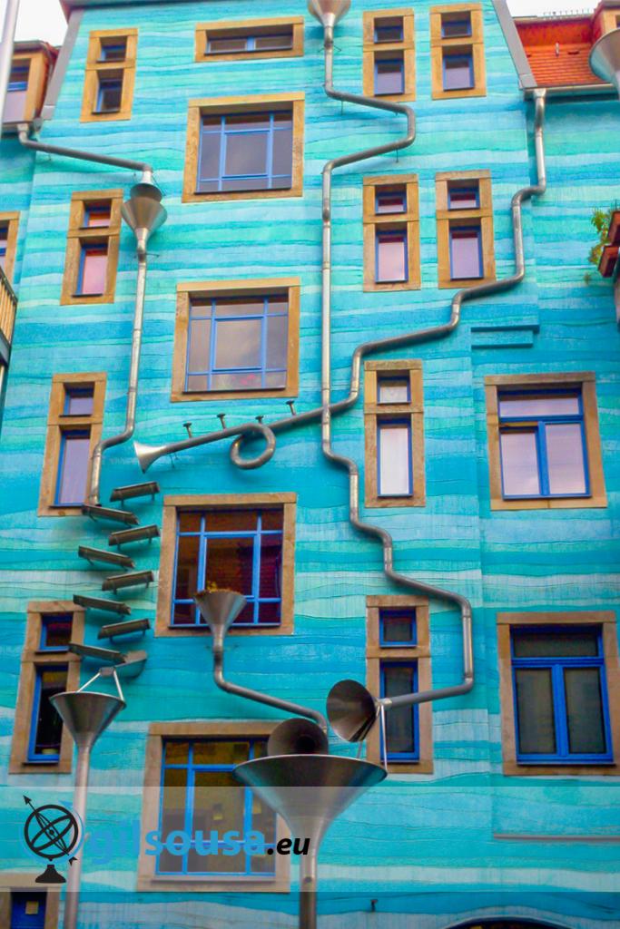 Famosa fachada em Kunsthof Dresden (Pátio da arte)
