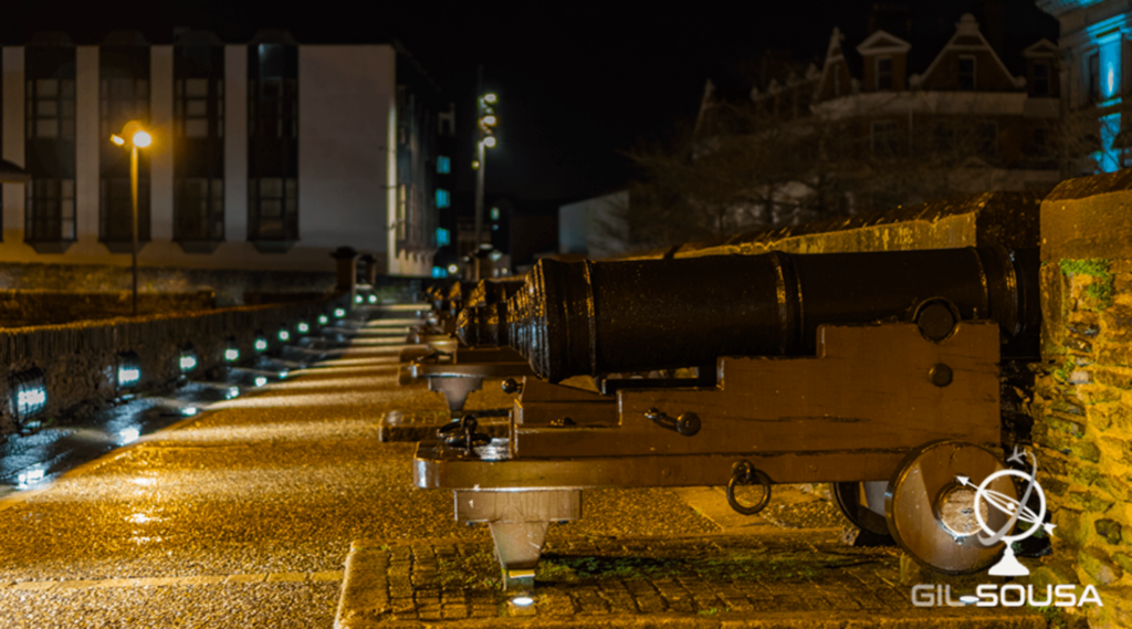 Cannons at Derry Wall