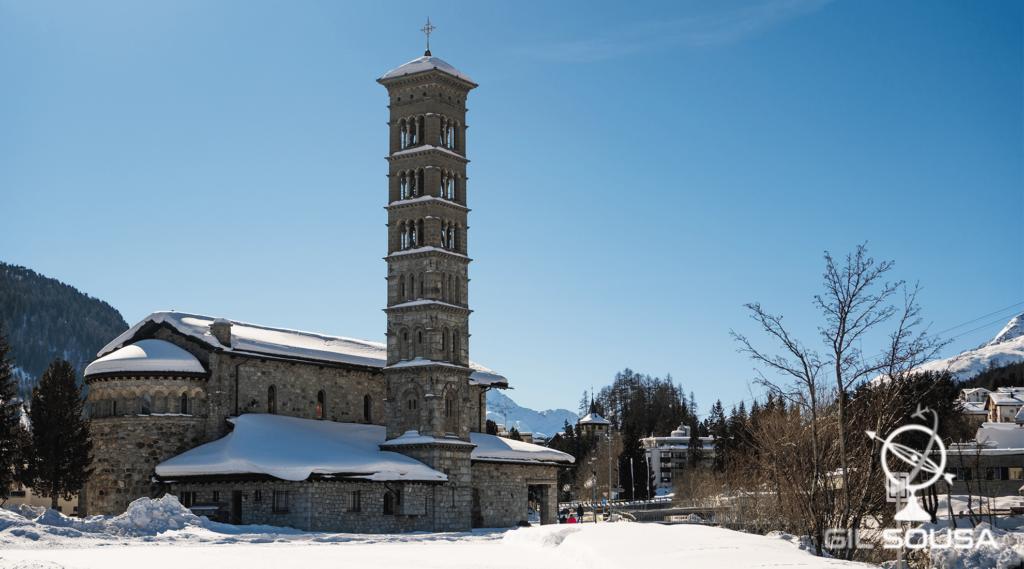 Igreja de São Karl Borromäus junto ao Lago São Moritz
