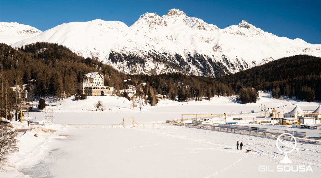Ringue no meio do Lago São Moritz gelado