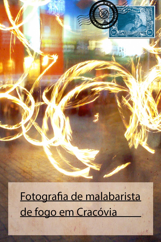 Fotografia de malabarista de fogo em Cracóvia