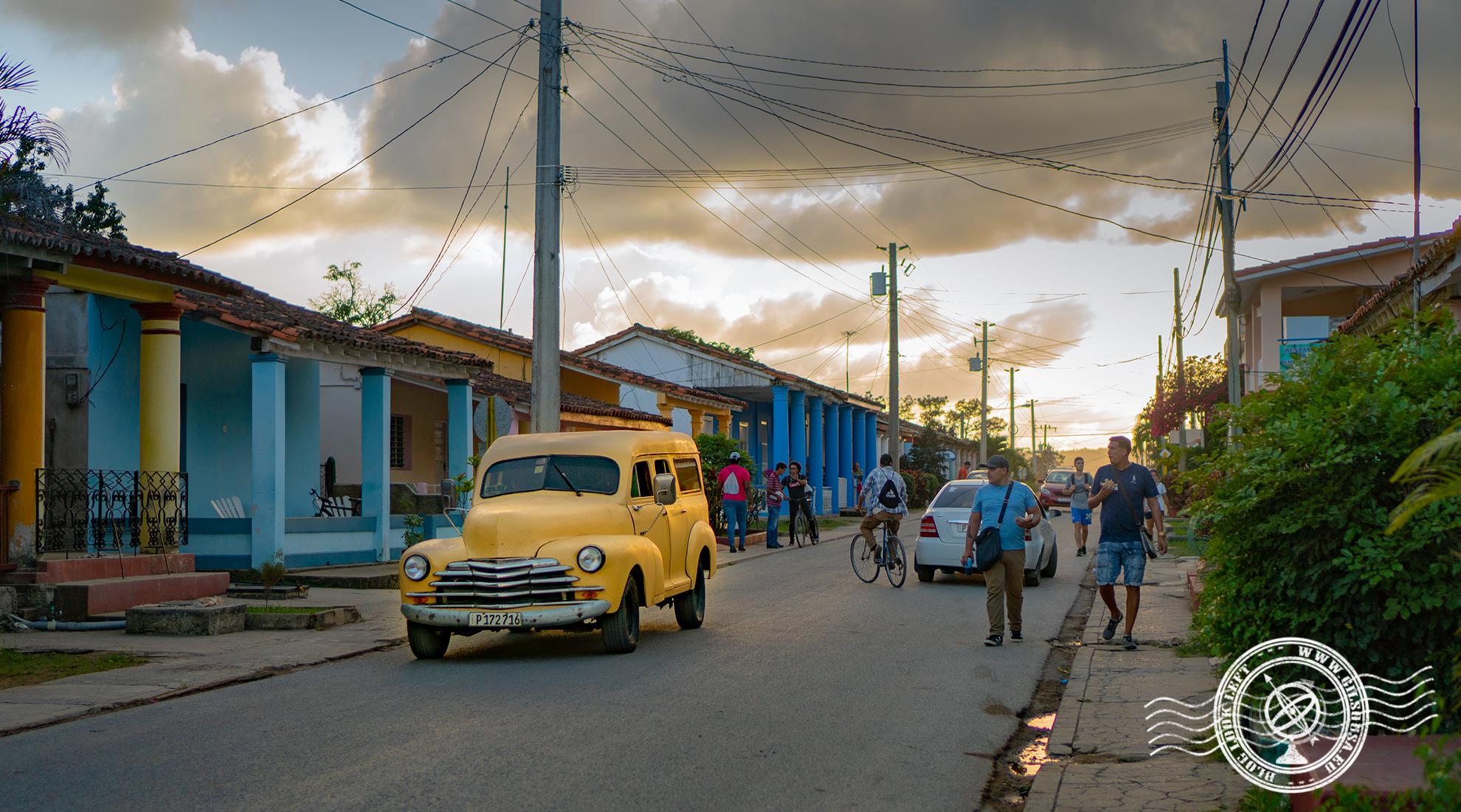 Rua Principal de Viñales ao final do dia