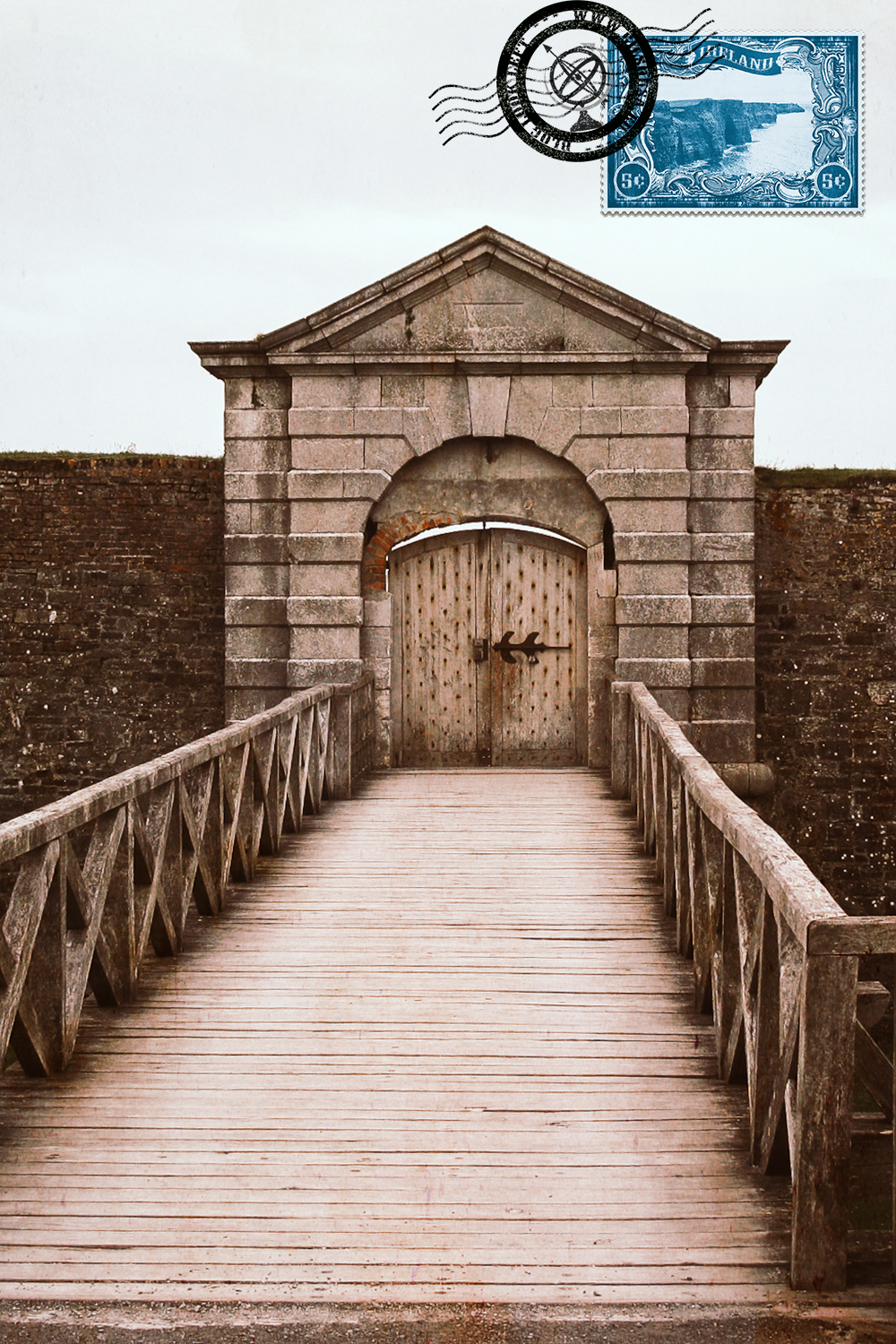 Entrance to Charles Fort
