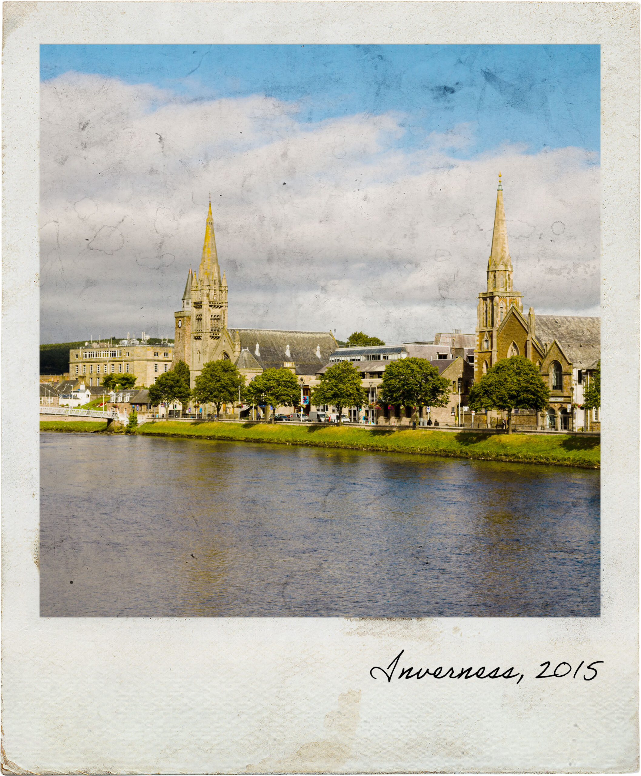 Marginal de Inverness junto ao rio Ness