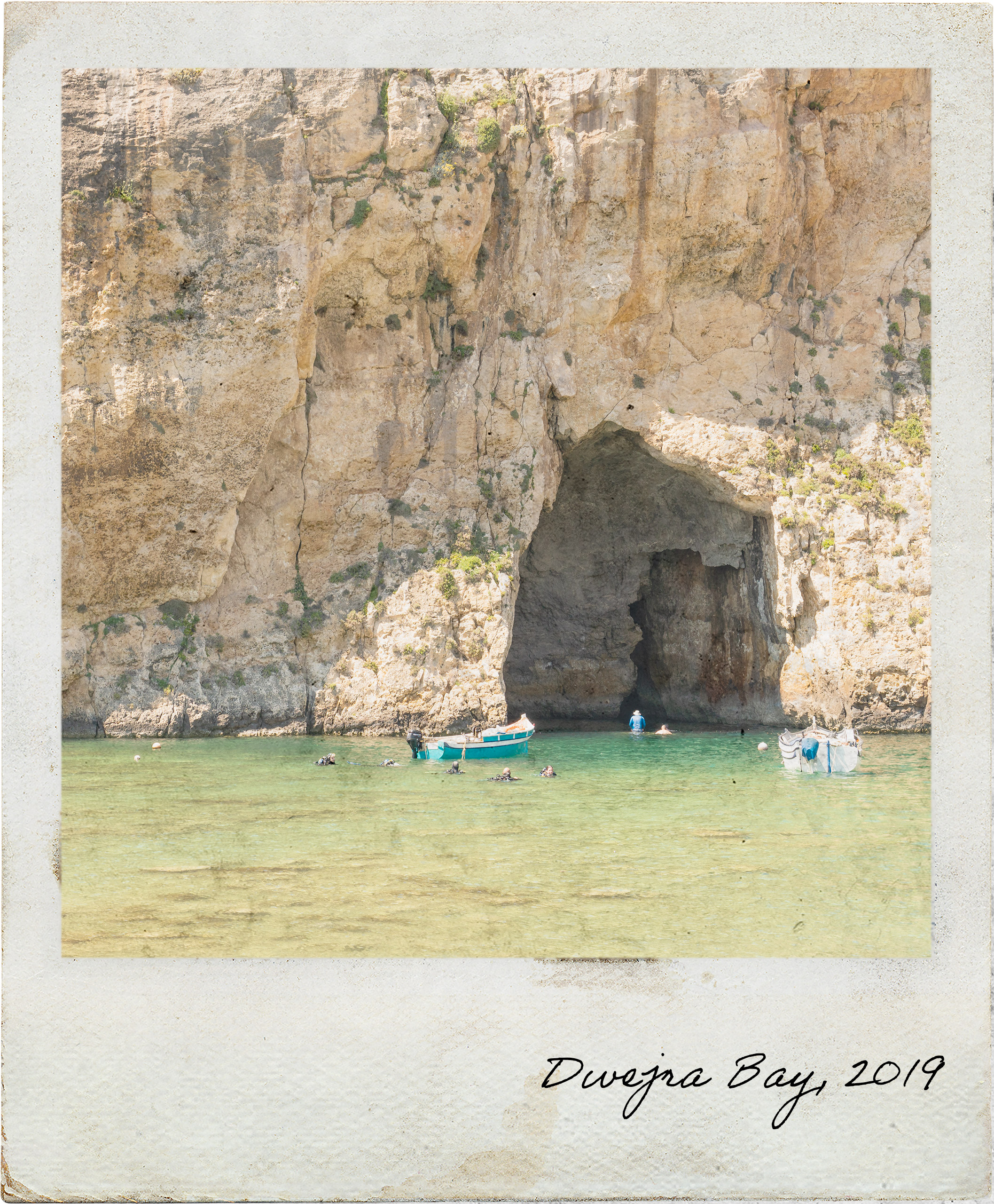 Passagem do mar epicontinental em Dwejra Bay
